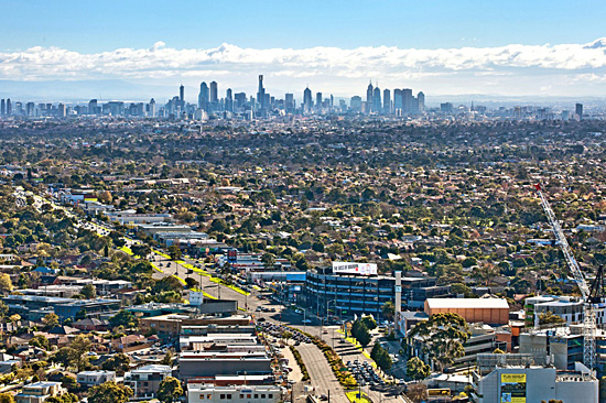 The property has view of Port Phillip Bay, the Dandenongs and the CBD