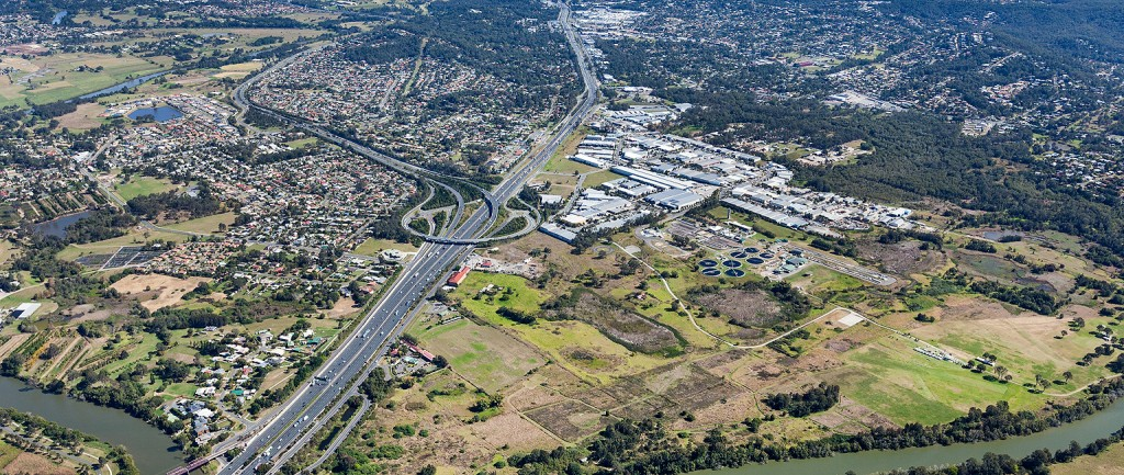 The site next to the Pacific Motorway has 125,000 cars pass each day