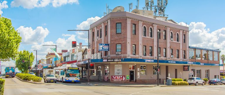 Ex-Wallaby buys Five Dock Hotel within a week