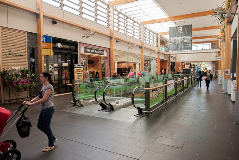 'Robots the biggest threat to shopping centres'