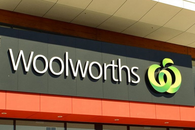 Coles and Woolworths announce new curfew trading hours under Stage 4