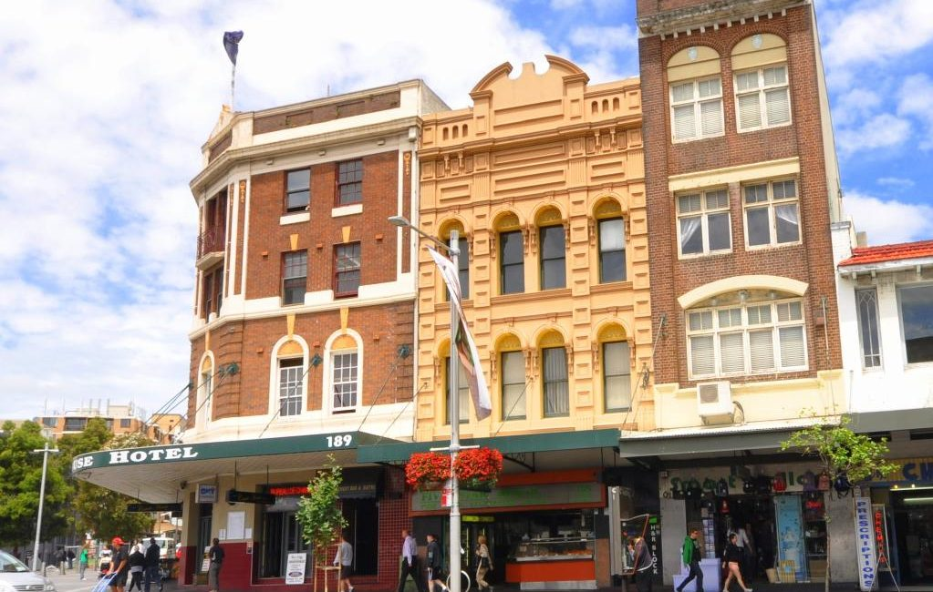 Searches to buy and lease commercial property continued to slow last week as South Australia became the third state to implement a lockdown.
