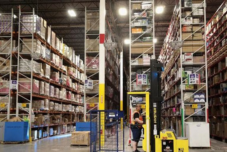 Online shopping puts warehouses on easy street