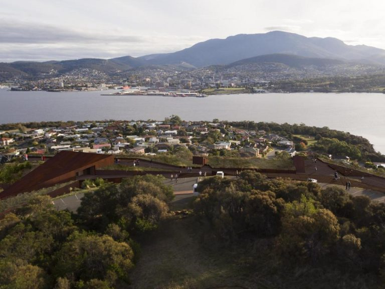 Residents fire up against $50m Tasmanian hotel