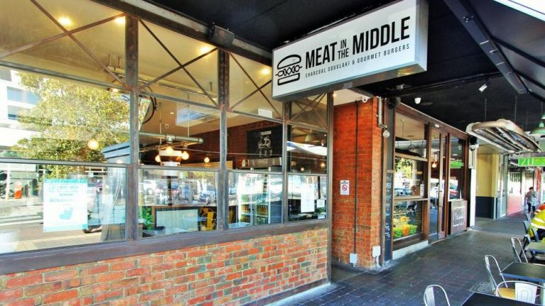Glen Waverley burger joint a saucy record-breaker
