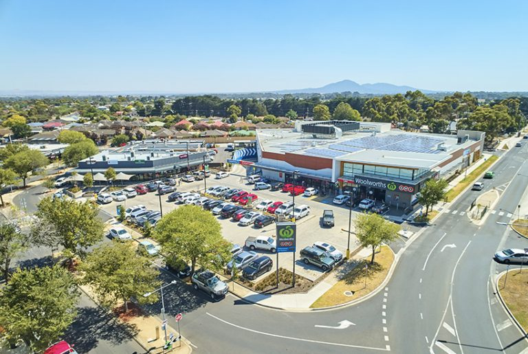 Geelong Woolworths to join slew of retail sales