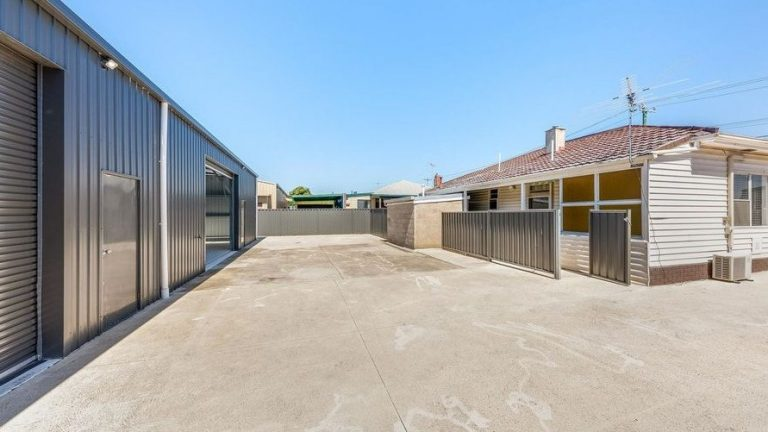 Buy three Geelong income sources in one fell swoop