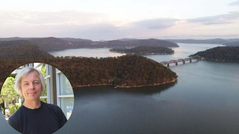 The Cogra Point Retreat has its own private peninsula on the Hawkesbury River.