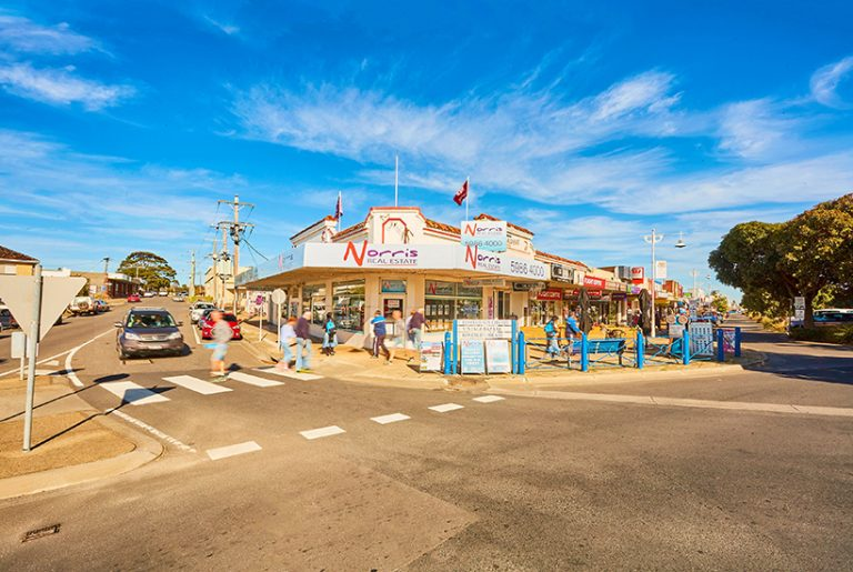 Beachside Rosebud retail strip to be sold for first time in 90 years