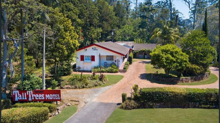Gold Coast rainforest motel a lush opportunity