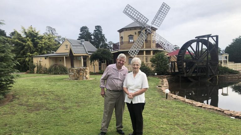 Wheels turn for Gippsland's Tamberrah Cottages and Windmill Pizza Restaurant