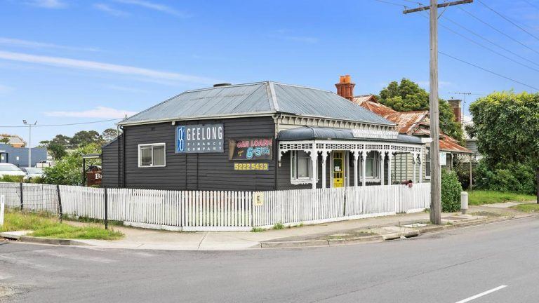 Newtown site offered again with potential $500,000 discount