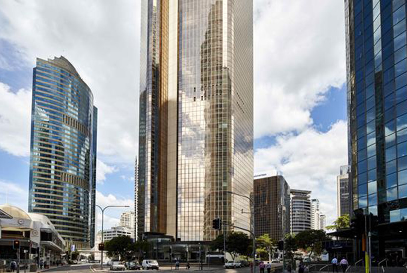 Dexus and CPP Investment Board have put the Gold Tower in Brisbane on the market.