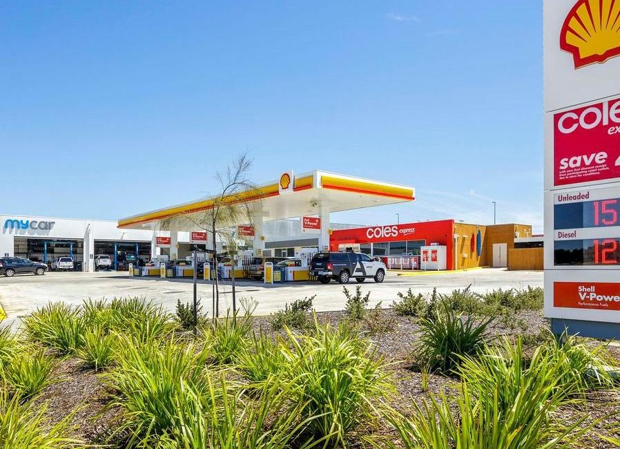 Torquay petrol station serves massive premium at portfolio auction