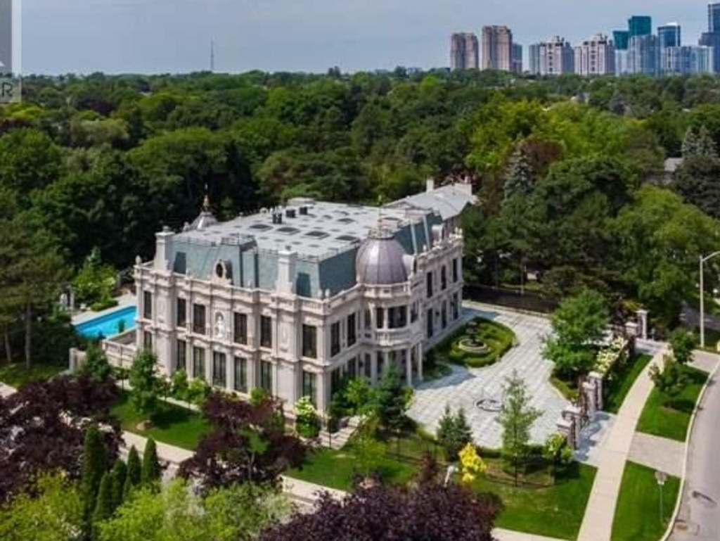 Inside the lavish Schitt's Creek mansion, which is now up for sale. Picture: Realtor