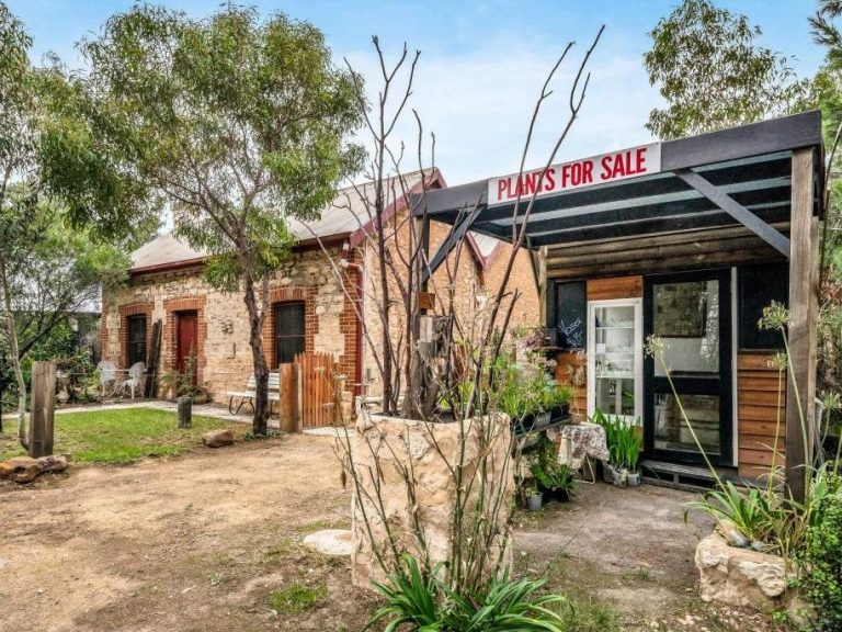 The Blacksmith Hub at Aldinga offering buyers a quirky investment opportunity