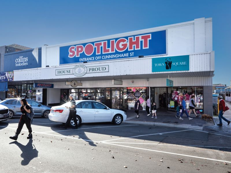 A first-time Chinese investor bought the Spotlight Plaza in regional Victoria. Picture: Supplied by Stonebridge