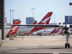 Qantas sells Sydney Airport site to LOGOS and AustralianSuper for $802m